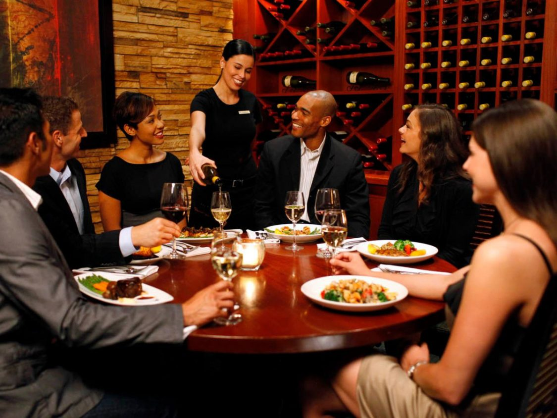 Get the Best Food and Wine Pairing in Hampton Street Vineyard!