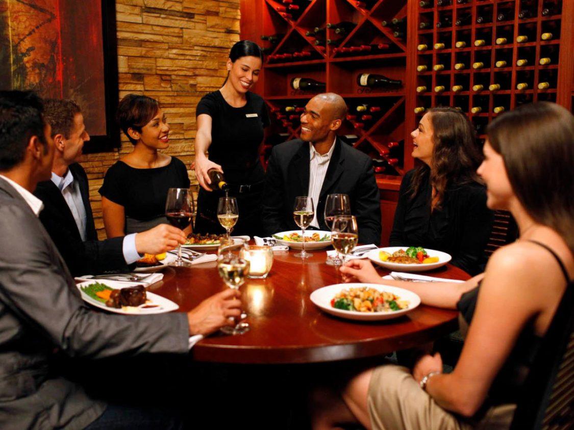 Get the Best Food and Wine Pairing in Hampton Street Vineyard!